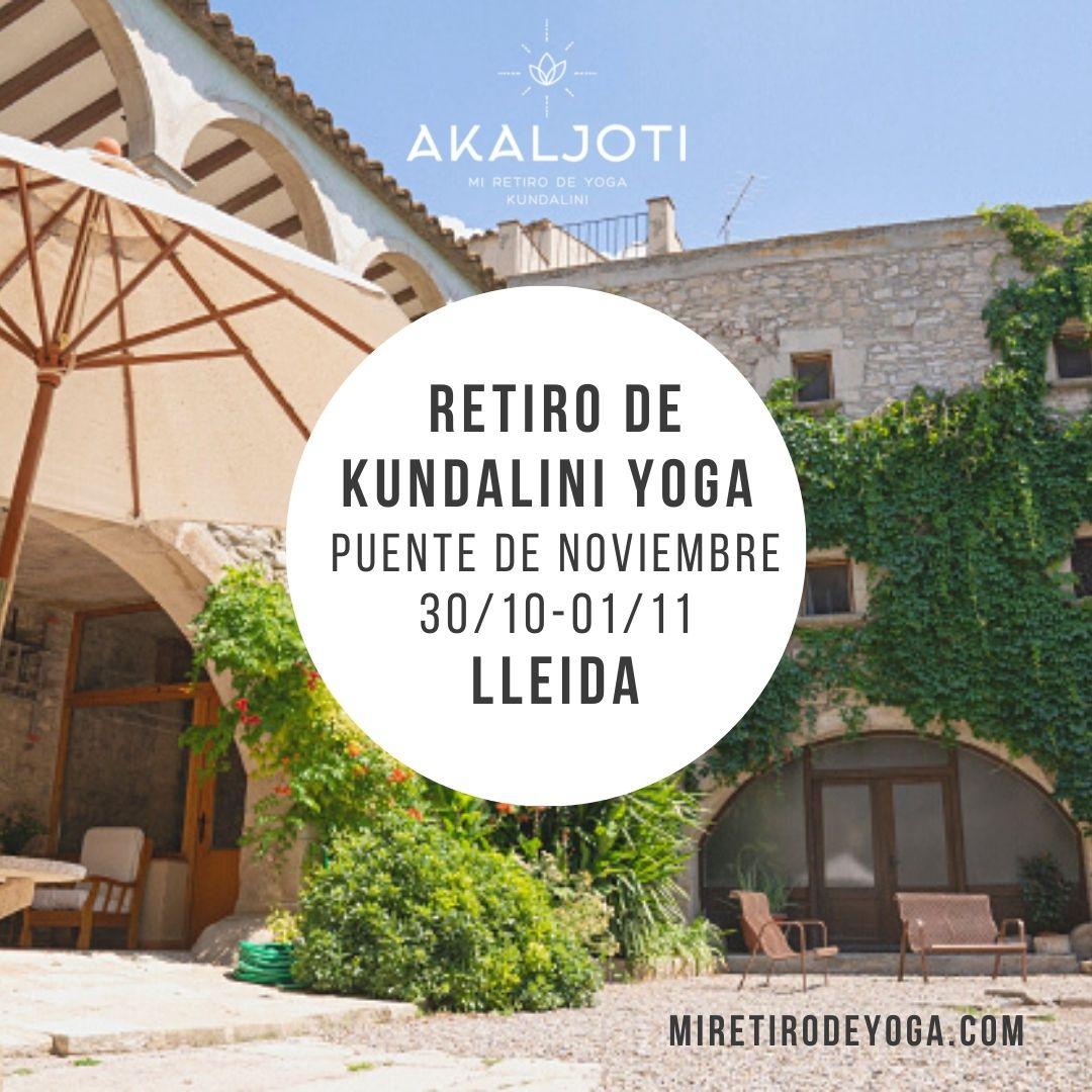 Retiro de yoga en el puente de noviembre, Lleida, Catalunya